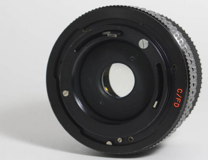 Soligor C/D Wide-Auto 28mm Prime Lens f/2.8 MC w/ Canon FD mount - Click Image to Close