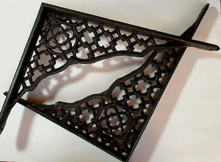 Old Cast Iron Wall Shelf Brackets, 8.5 x.6.5 inches - Click Image to Close