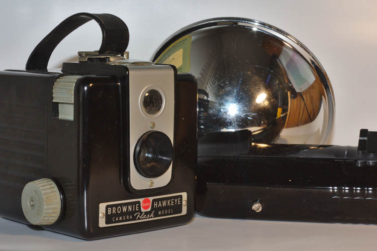 Kodak Brownie Hawkeye Camera No. 177L Flash Outfit - Click Image to Close