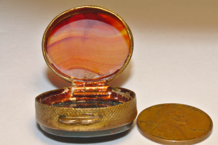 Antique Double Sided Bloodstone Agate Rouge Pill Snuff Patch Box - Click Image to Close