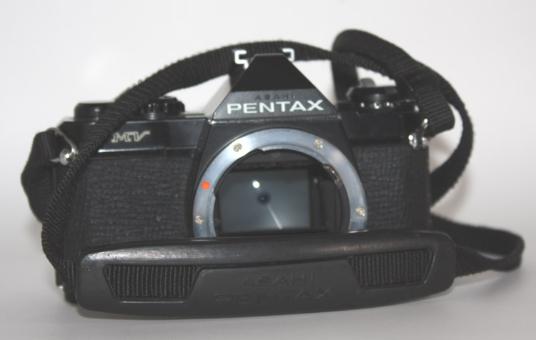 Pentax MV 35mm SLR Film Camera Black Body, works fine - Click Image to Close